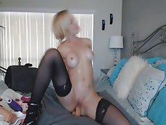 Babe Big Boobs Blonde Masturbation Webcam