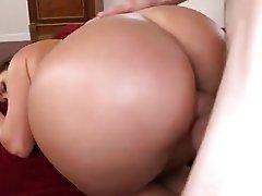 Big Boobs Big Butts MILF