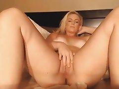 Amateur Big Boobs Blonde Masturbation