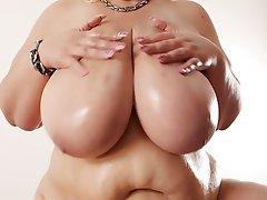 Amateur BBW Big Boobs Big Butts Blonde
